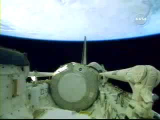 N.A.S.A. STS-120 Shuttle Discovery UFO October 23 2007(240p_H.264-AAC).mp4_000005005