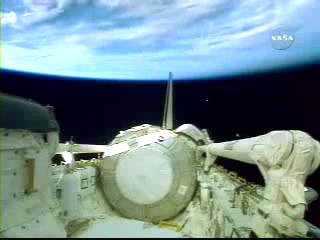 N.A.S.A. STS-120 Shuttle Discovery UFO October 23 2007(240p_H.264-AAC).mp4_000230412