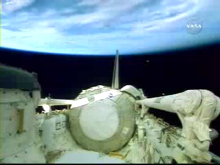 N.A.S.A. STS-120 Shuttle Discovery UFO October 23 2007(240p_H.264-AAC).mp4_000236952