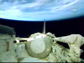 N.A.S.A. STS-120 Shuttle Discovery UFO October 23 2007(240p_H.264-AAC).mp4_000243860