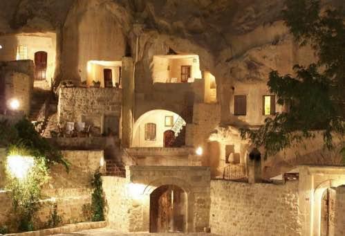loffit_las-cuevas-del-yunak-evleri-en-la-capadocia_06_Fotor